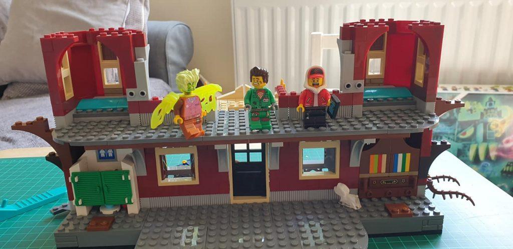 Lego Haunted School Set